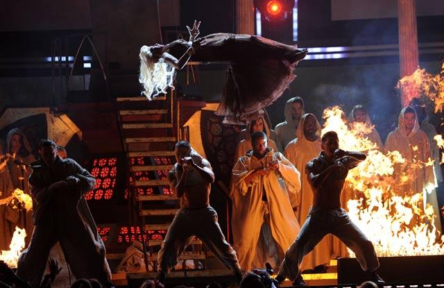 Los Premios Grammy Realmente es un Ritual de Culto Satánico