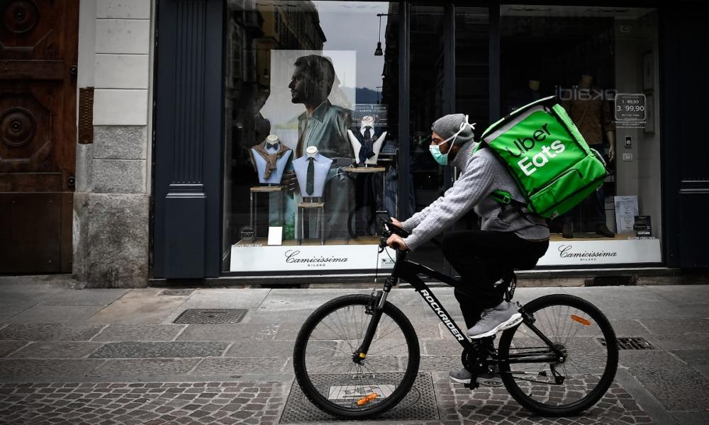 Disfrazados de Uber: Dealers reparten droga a domicilio durante la pandemia